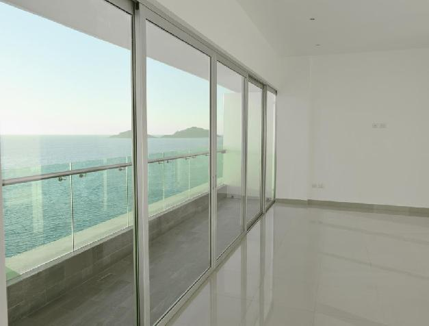 LUXURY CONDO IN TORRE EME