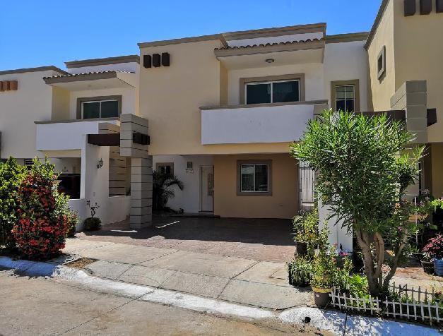 HOUSE INSIDE GATED COMMUNITY AT A VERY CONVENIENT LOCATION
