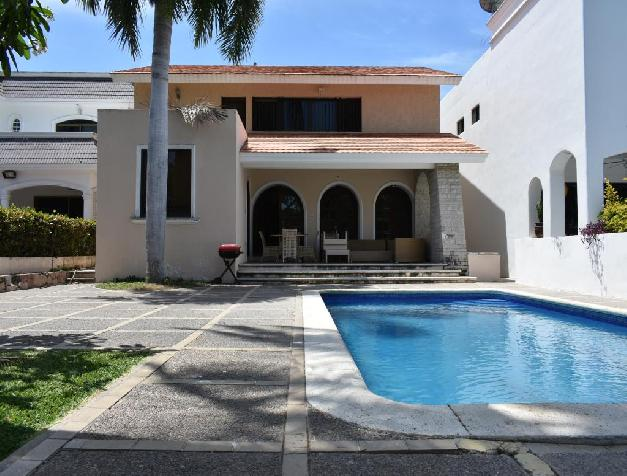 HOUSE FOR SALE IN FRONT OF MARINA  EL CID