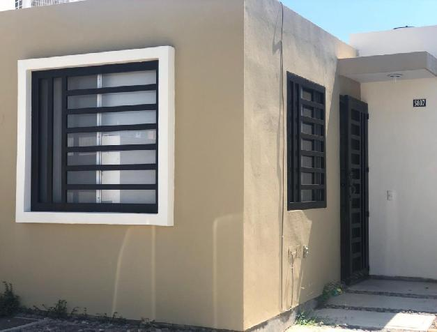HOUSE FOR RENT IN GATED COMMUNITY WITH 24 HOURS SECURITY.