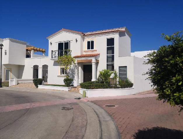 BEAUTIFUL HOUSE AT MARINA MEDITERANEO RESIDENCIAL