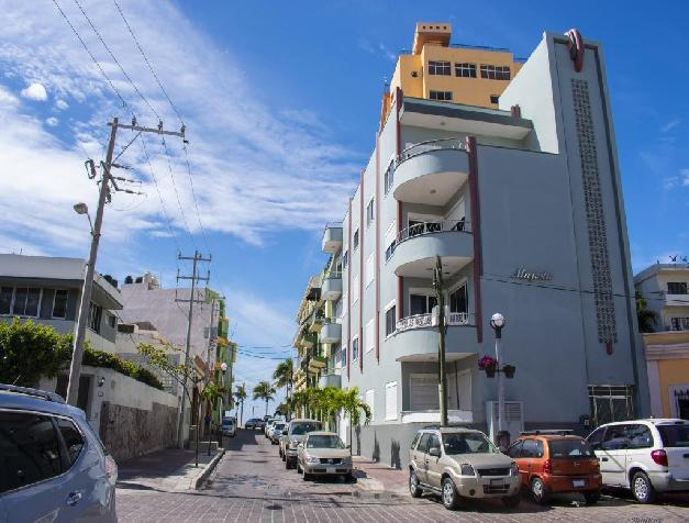 LUXURY CONDOMINIUM IN OLAS ALTAS