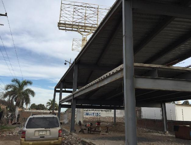 LOT WITH CONSTRUCTION FOR INDUSTRIAL COMMERCIA