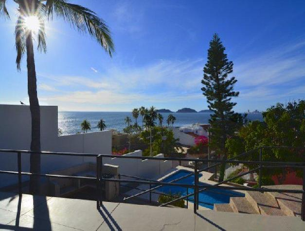 BEAUTIFUL OCEAN VIEW 2 BEDROOOM CONDO